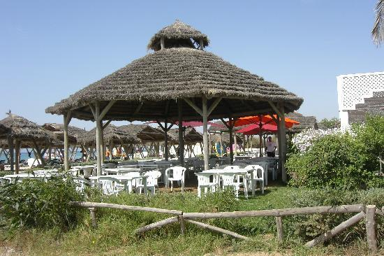 The Orangers Beach Resort & Bungalows: Le restaurant de plage