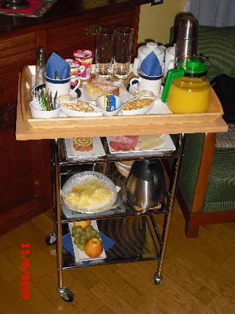 Arcadia Residence: Breakfast