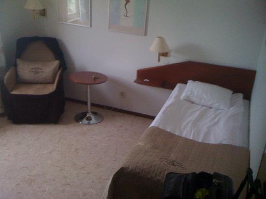 Sturup Airport Hotel: Simple but clean room