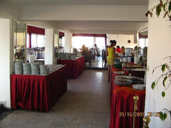Surtel Hotel Kusadasi: the restaurant(breakfast)