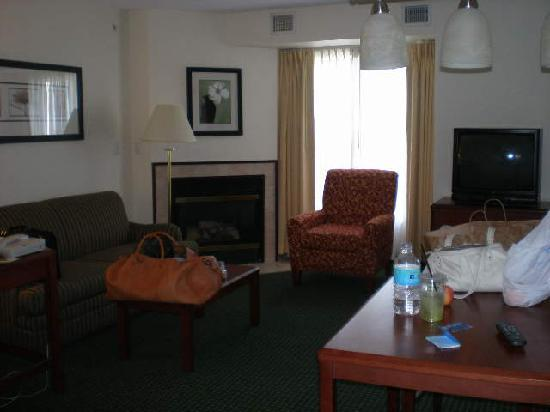 Residence Inn Deptford: yes people, that is a fireplace in the corner