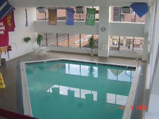 East Lansing Marriott At University Place Pool