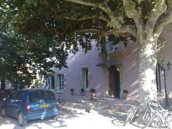 Le Mas Richard : Front of main house