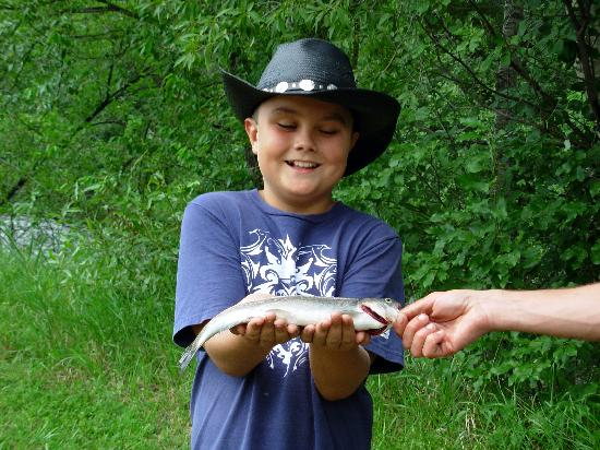 Sylvan Dale Guest Ranch: trout fishing-kids' program