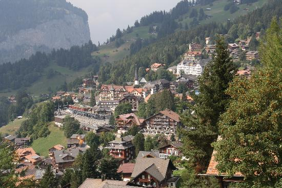 Hotel Caprice: Wengen from above