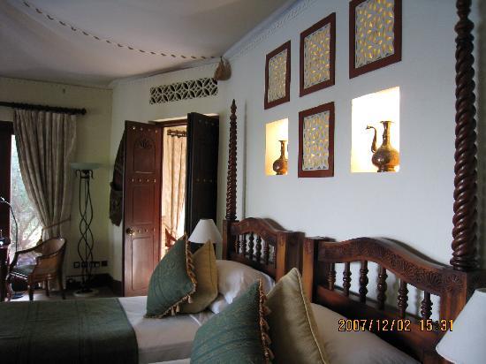 Al Maha, A Luxury Collection Desert Resort & Spa : ベッドサイド