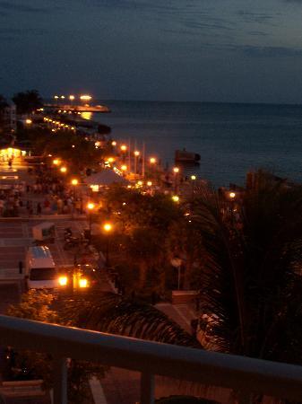 Ocean Key Resort & Spa: View of Mallory Square at night.