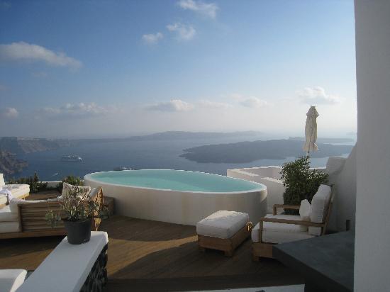 Aqua Luxury Suites