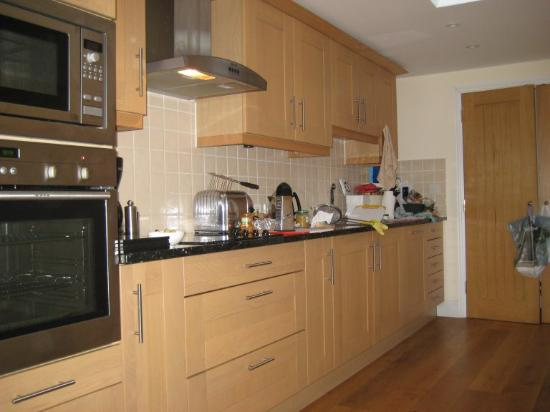 Gonwin Manor Cottages: Kitchen