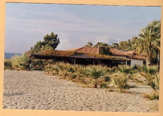 Dereli Motel: Das Restaurant am Strand