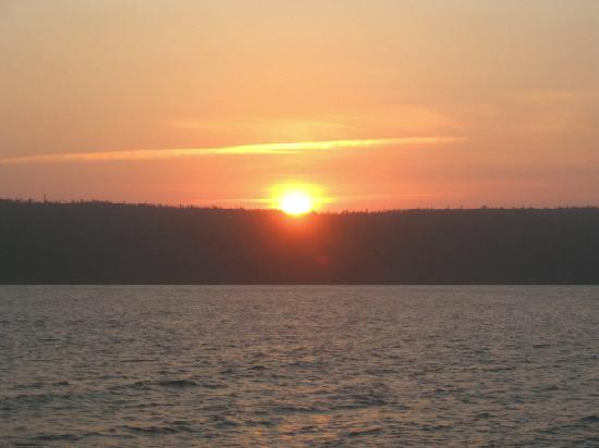 Sand Castle Bed & Breakfast: Sunset from the Boathouse
