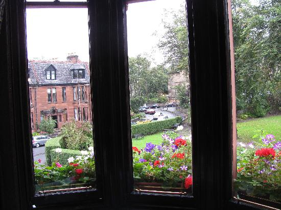 Kirklee Hotel: View from Front Window