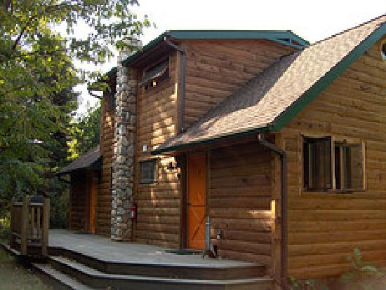 Kate's Lazy Meadow Motel: Super-cool duplex cabins!