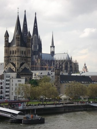 Travel guides for Cologne