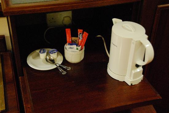 Dorrian's Imperial : Tea set up for our room.
