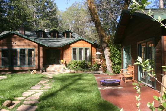 Middletown, CA: Mountain Lodge and Yoga studio
