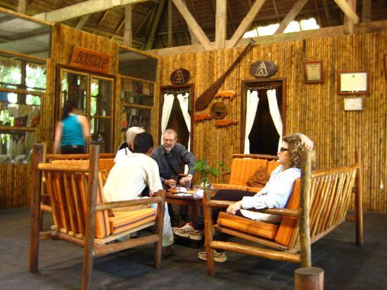 Posada Amazonas: Lounge