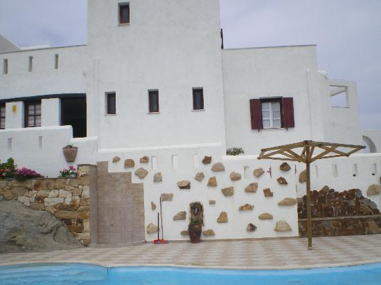 Naxos Kalimera Hotel: Hotel view from the swimming pool