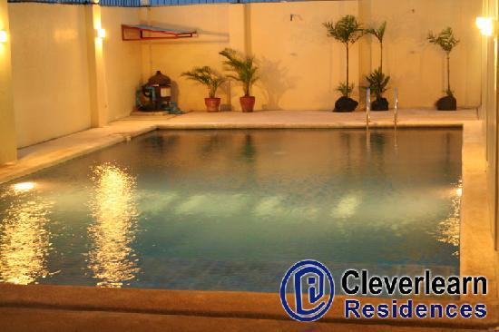 Cleverlearn Residences: pool