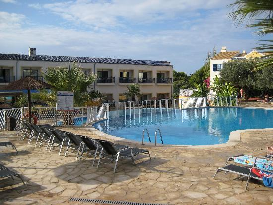 Entorno picture of aparthotel paradise club spa cala for Aparthotel corse