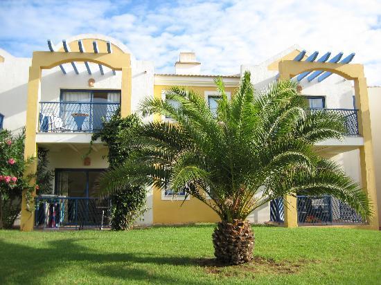 Aparthotel Paradise Club & Spa: entorno