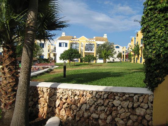 Aparthotel Paradise Club & Spa: jardines
