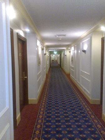 Dar Al Taqwa Hotel - Madinah: Corridor