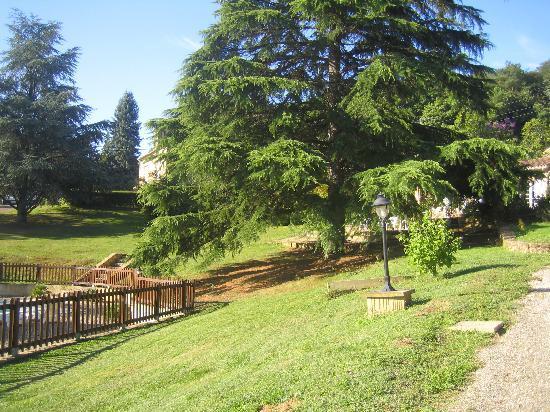 La Cheminee d'Angele : le parc