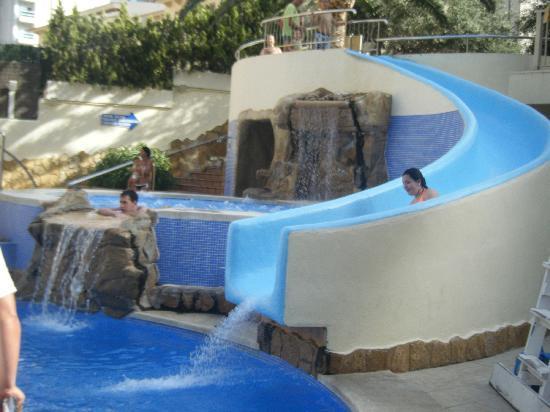 Hotel RH Princesa: tobogan piscina