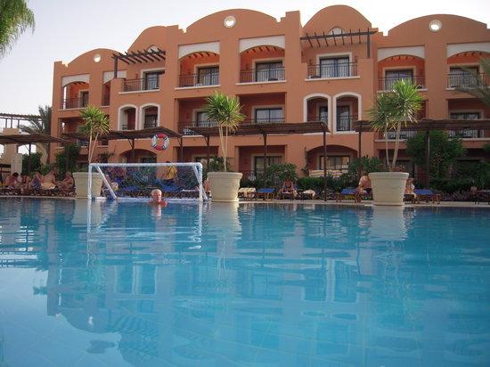 Jaz Dar El Madina: piscine et hotel