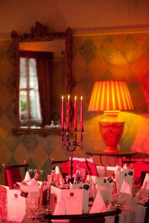 Le Manoir De Gressy: Ambiance chaleureuse dans l'attente des invités
