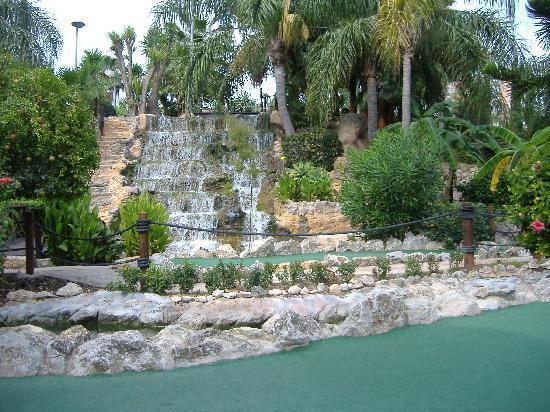 Globales Palmanova Palace: fun golf course