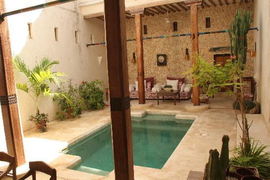 Lamu House Hotel: One of the 'Lounging' Pools