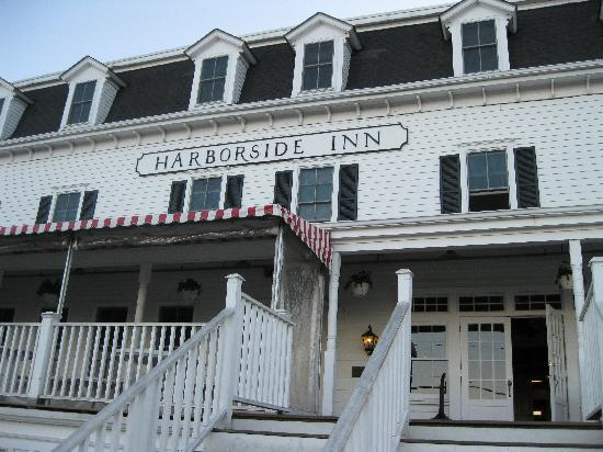 The Harborside Inn: Clean and nice -- outisde and in