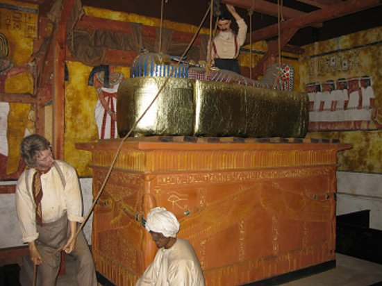 Tutankhamun Exhibition: The burial chamber