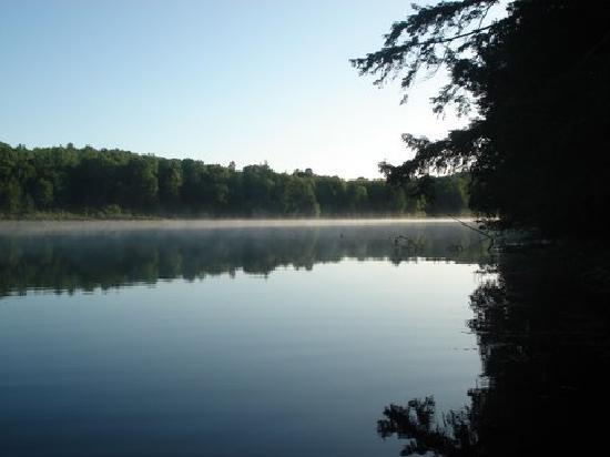 Montebello, كندا: Lake Taunton