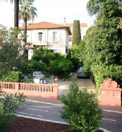 Hotel Le Vendome Villa Claudia: Vue de l'hôtel