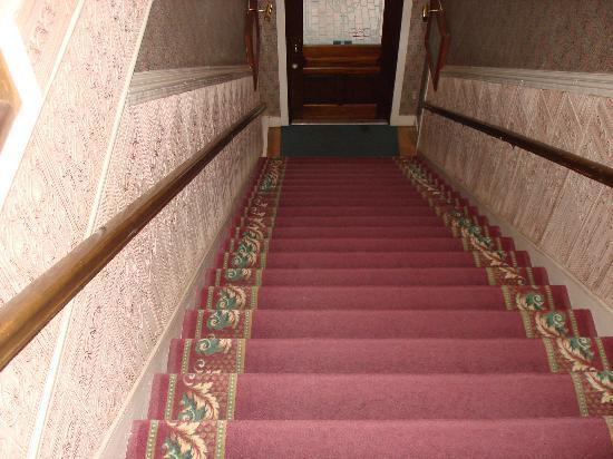 Bishop Victorian Hotel: Stair case