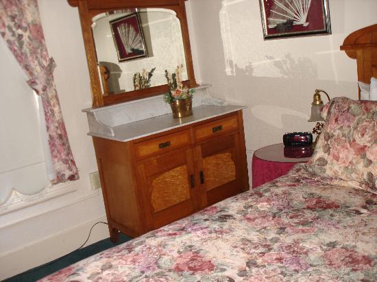 Bishop Victorian Hotel: Bedroom