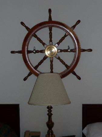 Empire Lakeshore Inn: Ship Room