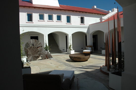 Estancia VIK Jose Ignacio: courtyard