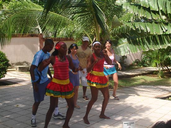 Hotel Verde Mar : el baile tipico