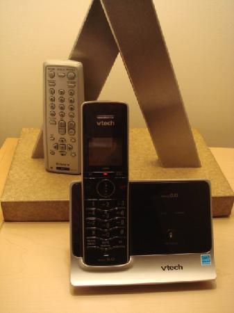 AKA United Nations: Telephone