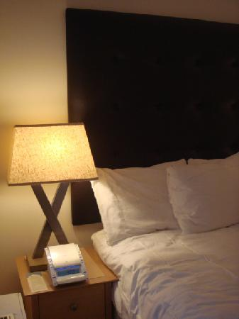 AKA United Nations: Side Bed
