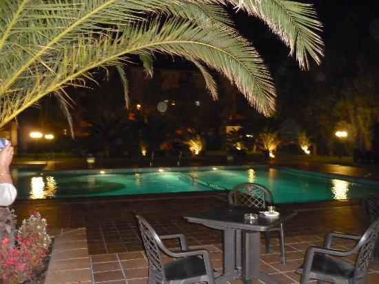 Hotel Panorama: piscine de nuit