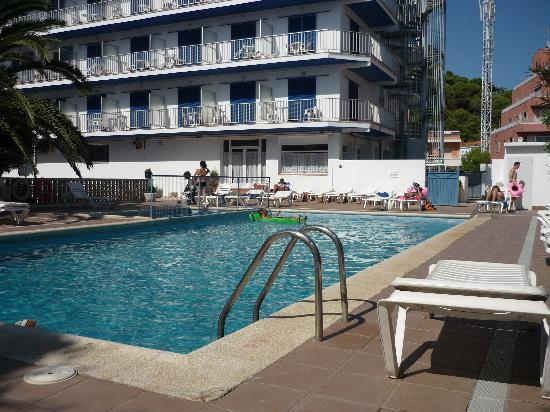 Nereida hotel spain costa brava updated 2016 reviews for Piscine nereides