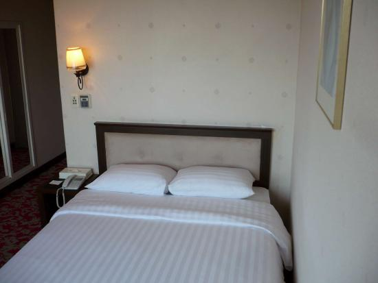 Jamsil Tourist Hotel : Bed
