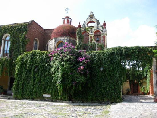 El Carmen, Mexico: Front of the Hacienda seen from the garden