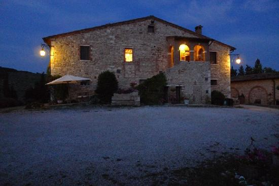 Aia Vecchia di Montalceto: The hundred-years old house we stayed in.