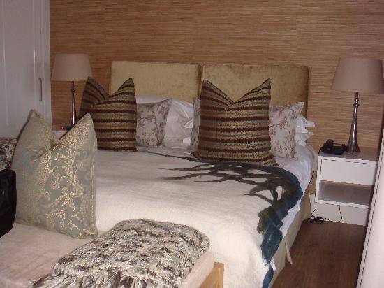 The Rex Hotel: Bedroom